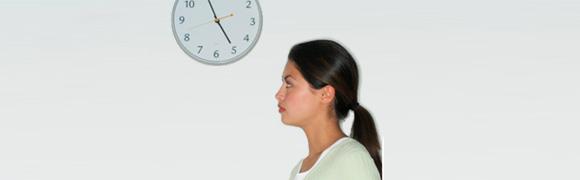 girl_watching_clock